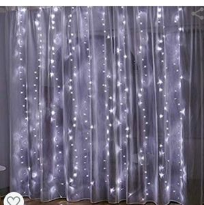 Twinkle star 300 LED curtain string light (white)